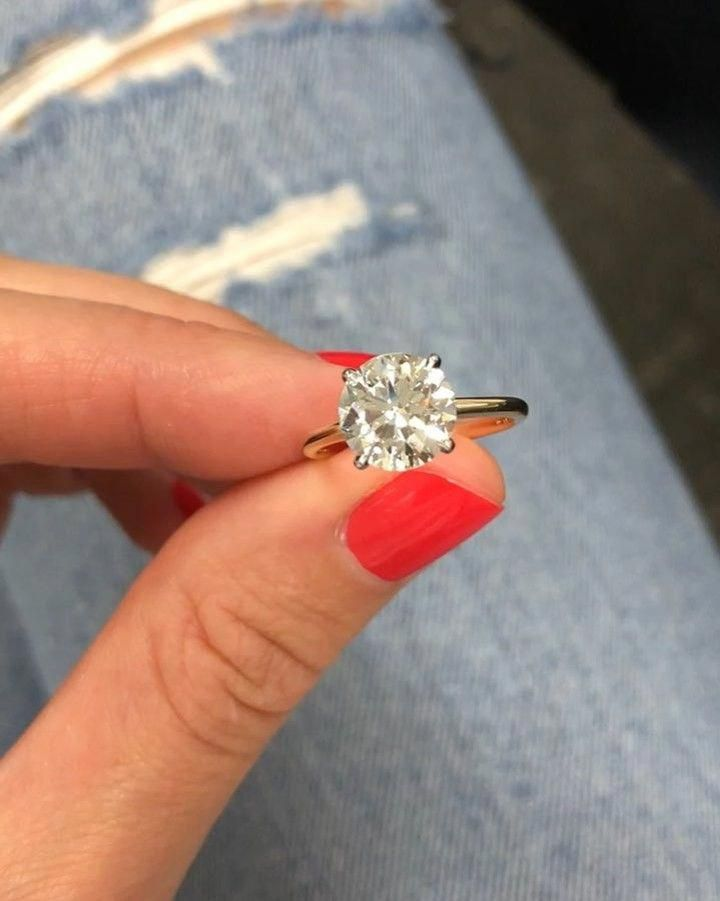 8b5f10bfe I adore this diamond engagement ring.. #haloweddingrings | Wedding ...