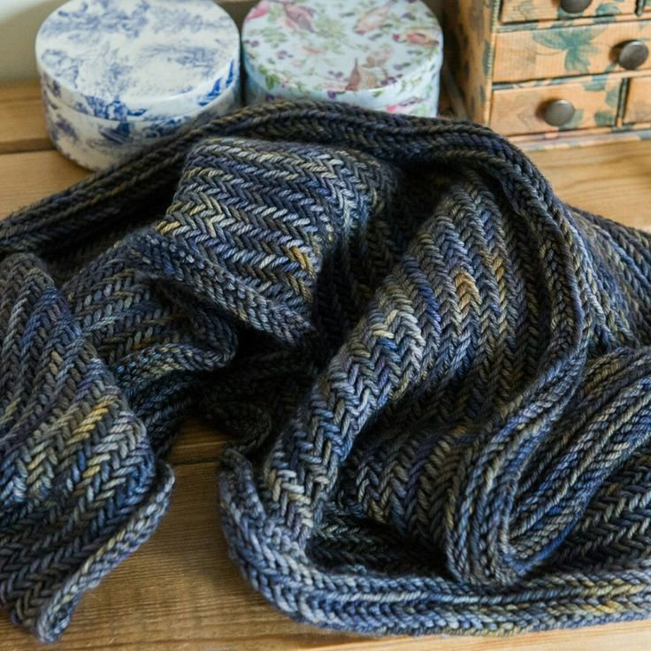 Knitting Herringbone Stitch In The Round : 17 Best images about Crimson Rabbit Knit & Crochet on Pinterest Herring...