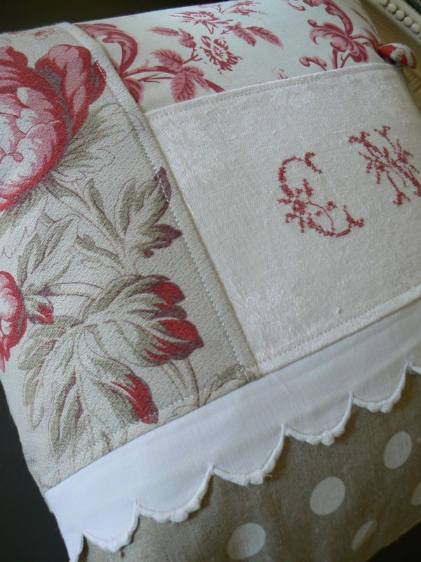 Coussin linge ancien do this with T.Luisi's embroideries and have them on the…