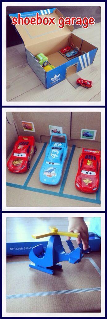 Knutselen: van een schoenendoos een garage maken. Diy shoebox garage #kids #kinderen #leukmetkids