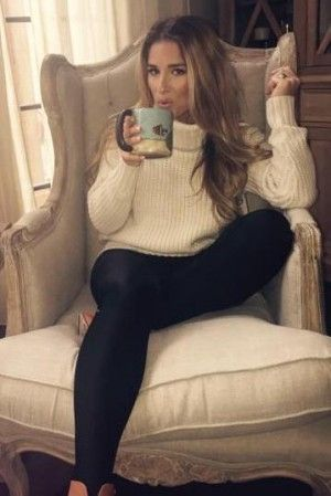 mens sports shoes uk Jessie James Decker wearing Topshop Ankle Leggings  Topshop Chunky Ribbed Turtleneck Sweater and Chinese Laundry Kristin Cavallari Raylin Booties