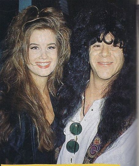Kiss Band Without Makeup: Eric Carr & Carrie Stevens ☆