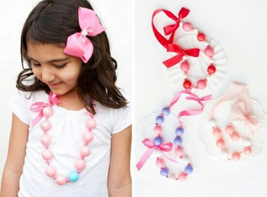 Bubble gum necklace tutorial