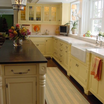 Narrow kitchen design pictures remodel decor and ideas page 2 m n kitchen pinterest - Narrow kitchen designs photo gallery ...
