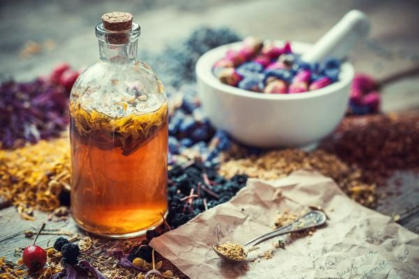 FIVEof the best skin healing herbsNature provides many medicinal herbs which have therapeutic properties,the effectiveness of plants has been well documented, their complex chemical nature gives them active properties offering an arra...