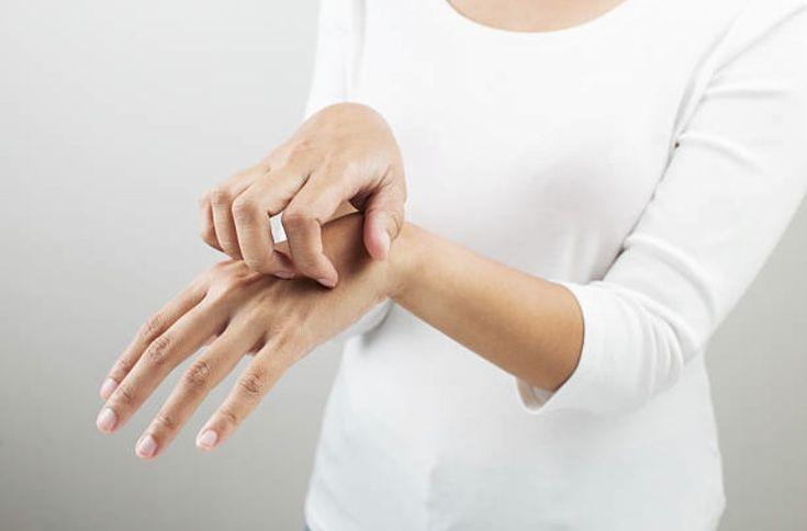 Eczéma : la recette simple d'une lotion ultra calmante contre les démangeaisons - Astuces de grand mère