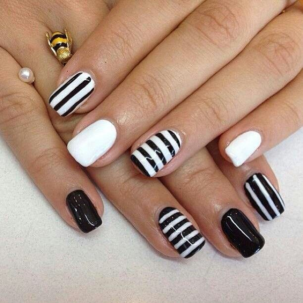 Black & white nails I want to try! How stylish is our little #KhumabMovie anyway?  #khumbastylin