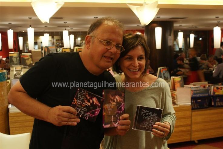 """09/11/2011 Com a cantora Klebi Nori -  Livraria Cultura (SP): relançamento de """"Piano Solos"""" da Coaxo do Sapo"""