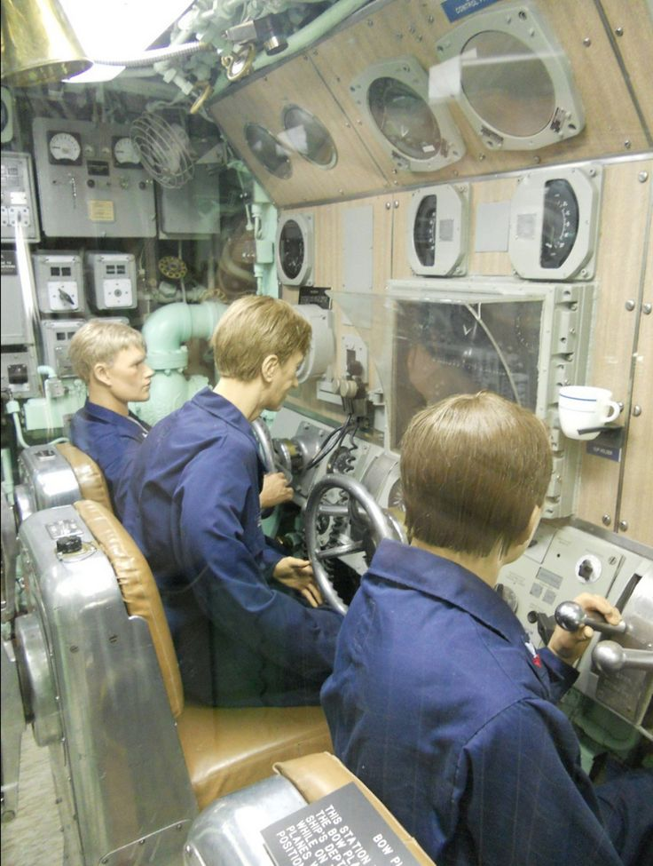 Uss Drum Engine Room: 172 Best Images About Submarine Interior On Pinterest
