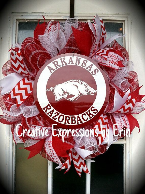 Check out this item in my Etsy shop https://www.etsy.com/listing/234581160/arkansas-razorbacks-wreath-razorbacks