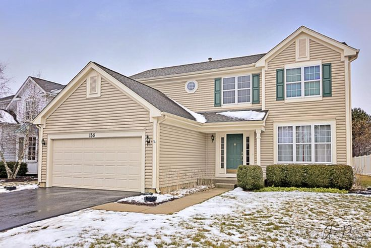 Come see this beautiful 4 bedroom home! The perfect place to raise a family with the neighborhood park close by. Well cared for and move-in ready. Featuring a versatile floor plan with high ceilings & 2 story foyer. The formal living room flows into the dining room with bay window and custom blinds. Large kitchen with center island, tile flooring, bay window eat-in area with updated door and trim, leading to backyard. Kitchen opens to the family room, updated with solid oak flooring in 2013…