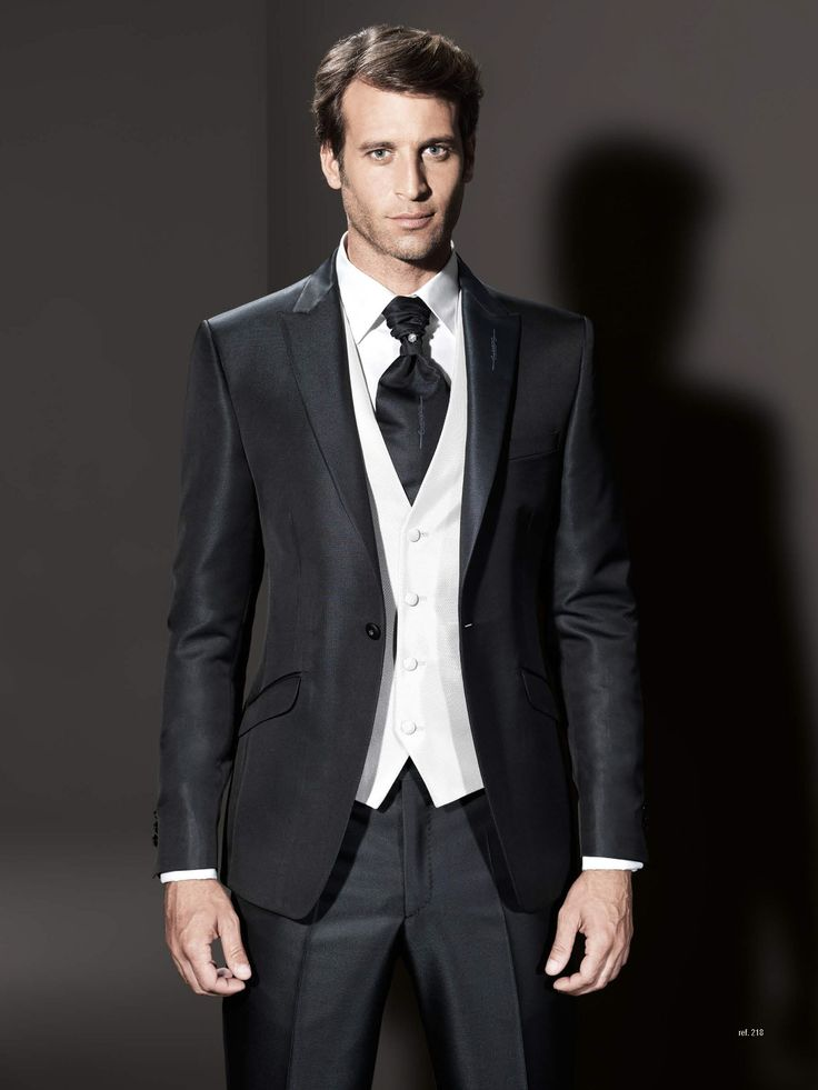 M s de 25 ideas incre bles sobre trajes de novio blanco en for Trajes de novio blanco para boda