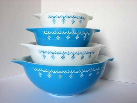 Snowflake Blue Pyrex :): Vintage Blue, Cinderella Bowl, Vintage Cinderella, Pyrex Snowflake, Blue Vintage