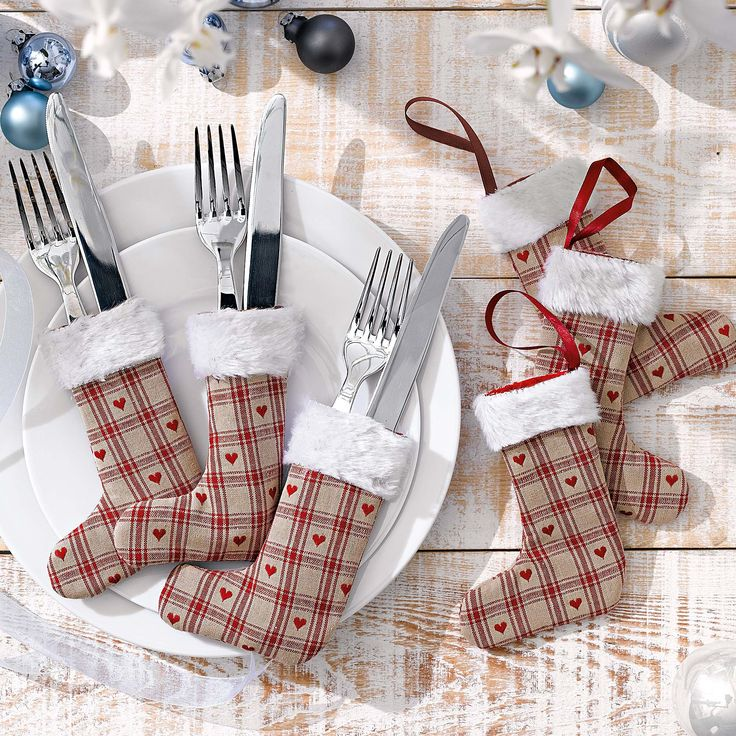 DIY Weihnachtstischdeko: Bestecktaschen DIY For the Christmas dining table: flatware bags