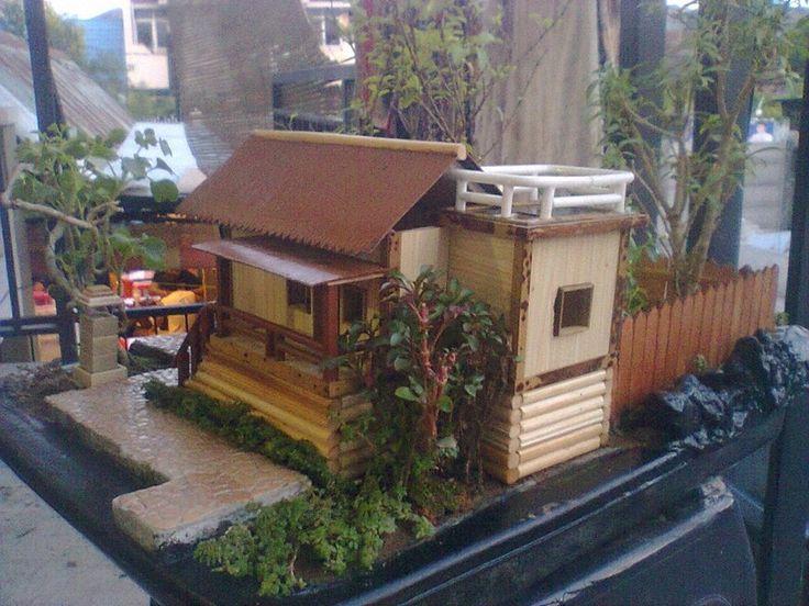 Taman's Miniatur's New Garden front view