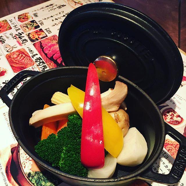 寒くなって来たので、ストウブ使って温野菜なんかもやってみようかな! https://r.gnavi.co.jp/2gg1gy7k0000/  #8528  #渋谷 #ワイン #肉 #個室 #貸切 女子会 #忘年会 #飲み放題 #サプライズ #誕生日 #イタリアン #バール #ソムリエ #裏メニュー #数量限定  #バーニャカウダー