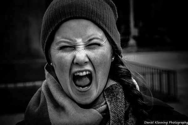 Screaming with out sound, by Daniel Klovning