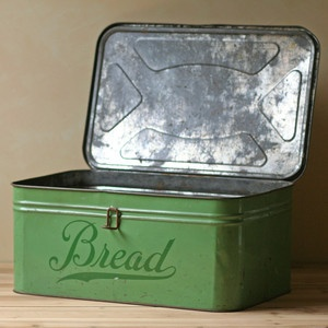 vintage bread box...love this