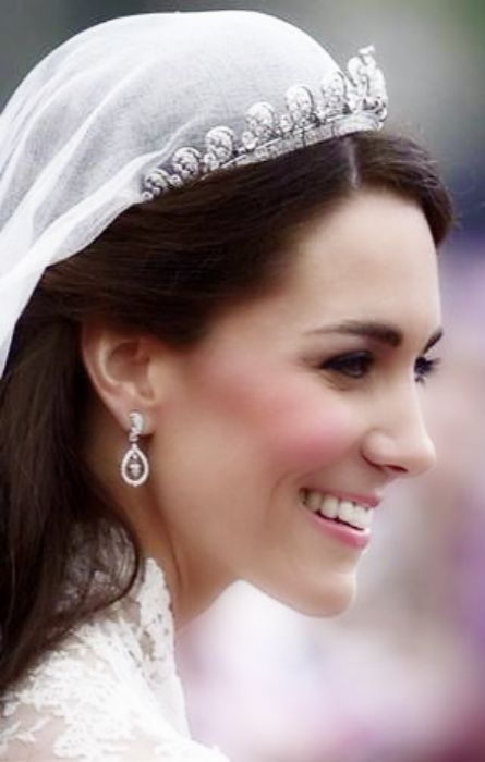 hereliesthekingdom:  The Duchess of Cambridge on her wedding day