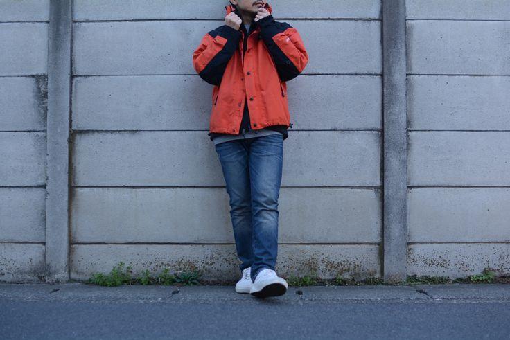 (jeudi★Style)NO,47-----------------  ジャケット(ブラック)♦THE NORTH FACE IRONTON SOFT SHELL JACKET BLACK http://jeudi-japan.com/?pid=110326136 ーーーーーーーー ジャケット(オレンジ)♦THE NORTH FACE(私物)-----  パンツ♦J.CREW(私物)----------------  ベルト♦HTC(私物)------------------  ニット帽♦NIKE(私物)-------------ー---  ブレスレット♦(H.Y) ーーーーーーーーーーーーーーーーーーー スニーカー♦Vans(私物)--------------