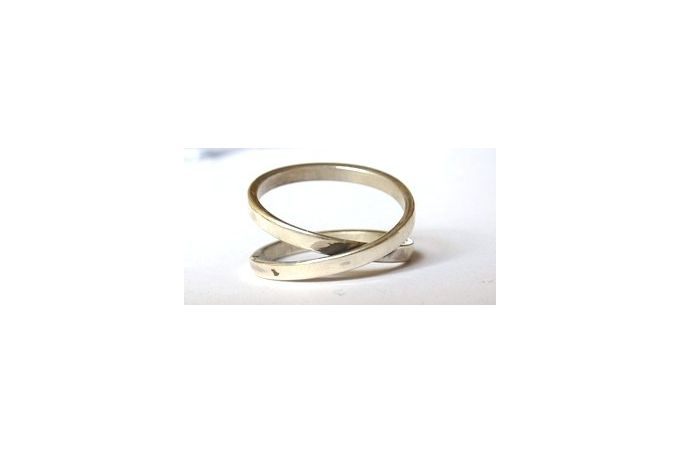 Silver infinity ring by Llama Llama on hellopretty.co.za
