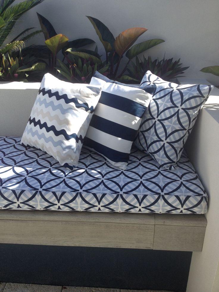 Warwick Fabrics Coolum outdoor - Main Cushion Merimbula - Scatter Mallacoota - scatter Coolum - scatter