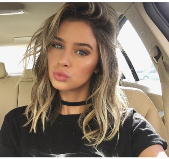 brunette wavy short hairstyle with layers # shorthair # hairstyles # beauty #makeu ... - hairstyles
