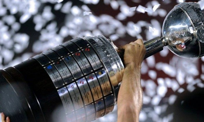 10 clubes brasileiros já conquistaram o maior título do Continente. Descubra quantos títulos cada um tem  continue lendo em Times Brasileiros Campeões da Copa Libertadores da América