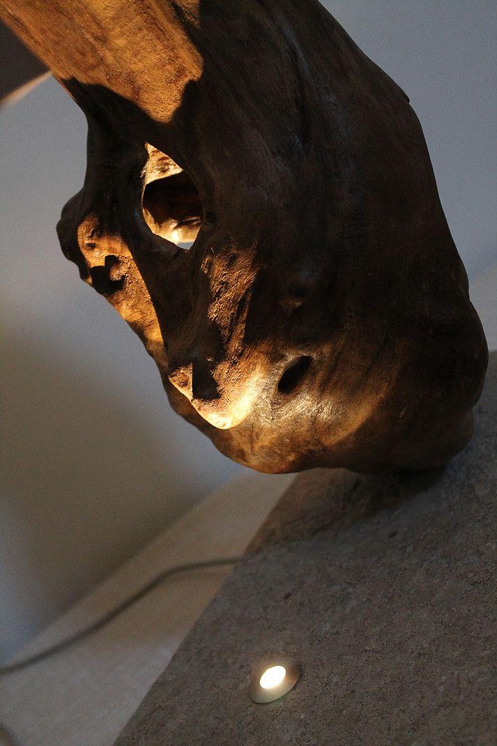 """""""Il patriarca"""" - Lampada di design in legno di mare con base in pietra leccese sagomata a scalpello e paralume rivestito di tessuto."""