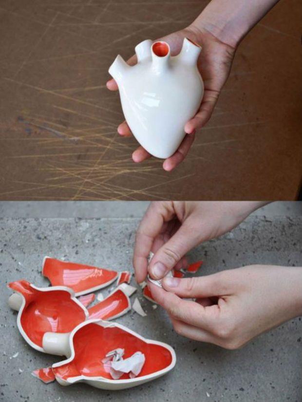 Corezone: um coração de cerâmica que funciona como um cofre. Nele, você pode inserir pensamentos, sentimentos e emoções em papeizinhos. Para libertá-los, basta quebrá-lo.