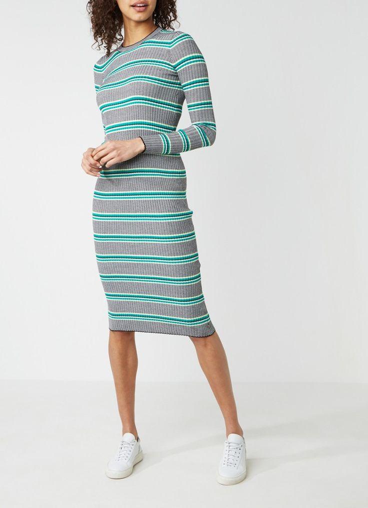 Op zoek naar Scotch&Soda Ribgebreide trui-jurk met streepdessin ? Ma t/m za voor 22.00 uur besteld, morgen in huis door PostNL.Gratis retourneren.