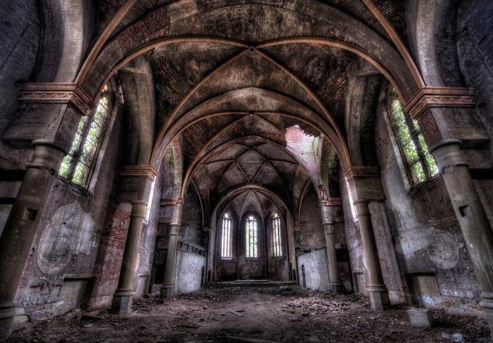 18 inquietantes y hermosas fotos de edificios abandonados