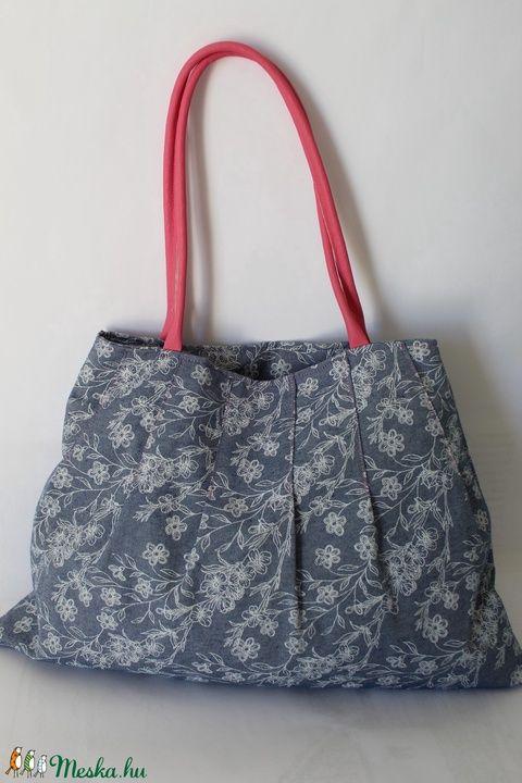 Virágos táska rózsaszín füllel (silvanafoltvarras) - Meska.hu