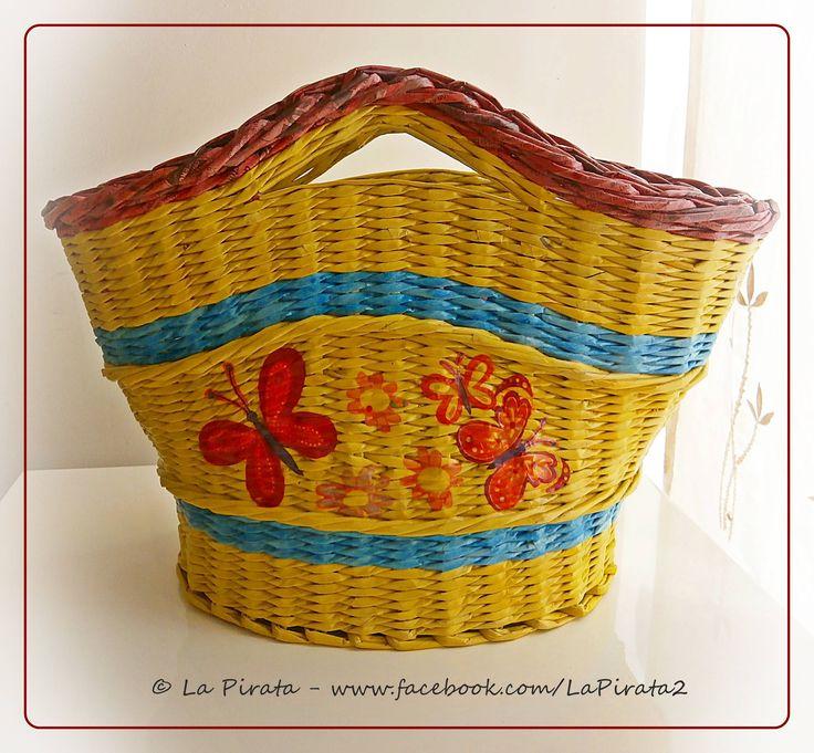 #handmade #basketry #cesteria #paperart #decoration #upcycling #recycling #basketmaker #gifts #regalos #Geschenke #DIY #newspaper #körbe www.facebook.com/LaPirata2/