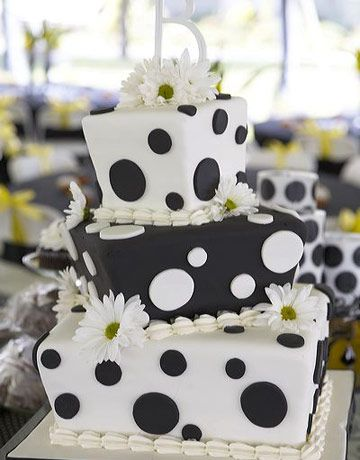 I would never have this as a wedding cake but it's adorably cute!!!