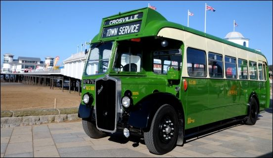 New vintage bus service launches between Burnham and Weston