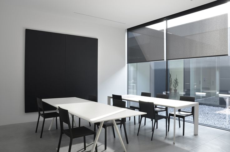 Kristalia acoustic comfort with Silente sound absorbing panels by Caruso Acoustic