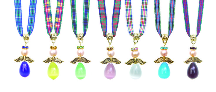 A delightful range of real pearl and gold plated Tartan Angels, each with a different meaning. Hope, Friendship, Love, Peace, Happiness, Promise,Luck and Guardian Angel