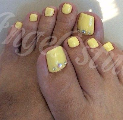 Yellow Toe Nail Art