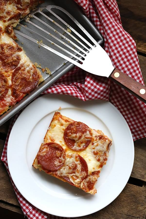 "Easy Pan Pizza - (S)   ""An easy low carb pizza recipe that even your kids can make! It's a huge hit with the whole family. THM-friendly."" - Carolyn  www.TrimHealthyMama.com"