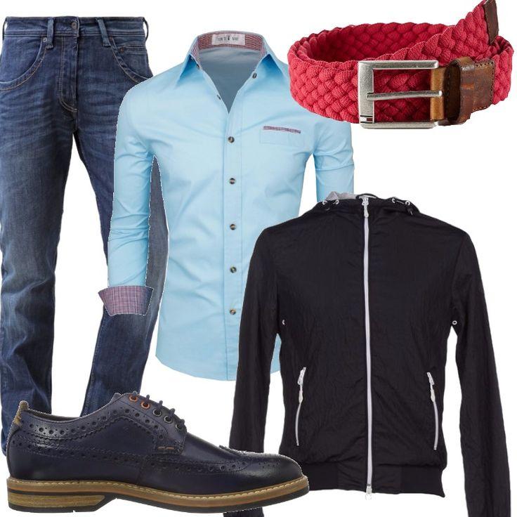 Un giorno qualunque, un aperitivo con gli amici, quattro chiacchiere. Indosso un jeans regular, camicia azzurra con particolari in fantasia rossi, giubbotto blu, scarpa stringata blu, cintura rossa.
