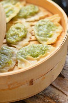 """Jiaozi tra oriente e occidente: ravioli cinesi di Parmigiano Reggiano, verdure e zenzero con salsa """"mediterranasiatica"""""""