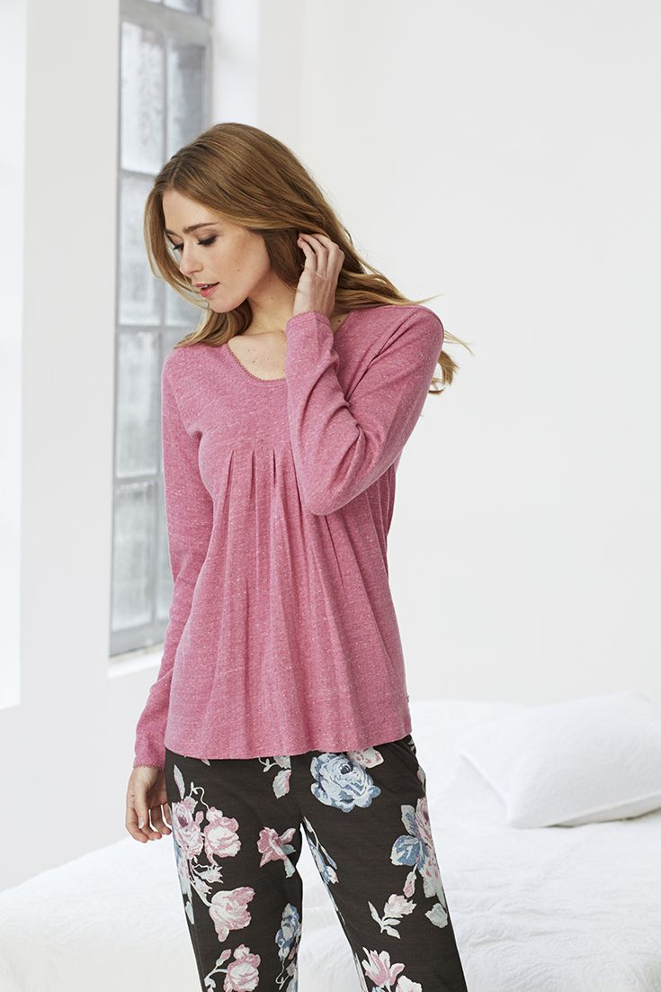 Stylish long sleeved Mix & Match ladies pink top with an attractive, flattering front pleated detail in a very pretty fabric matched with a gorgeous 'Large Oriental Rose' long pyjama bottoms