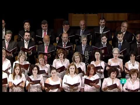 Madame Butterfly. Coro a boca cerrada. G. Puccini - YouTube . This is a beautiful piece from Madama Butterfly. This piece is essential to this opera. In the English language it is called the humming chorus. Come and listen to this wonderful Puccini piece!!