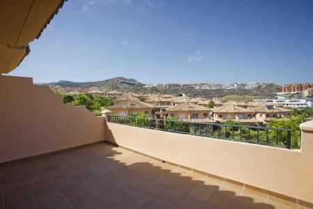 4 bedroom semidetached houses surrounded by 3 golf courses at La Cala de Mijas. Prices starting at 378,000.00 € #CostadelSol #Spain #Malaga