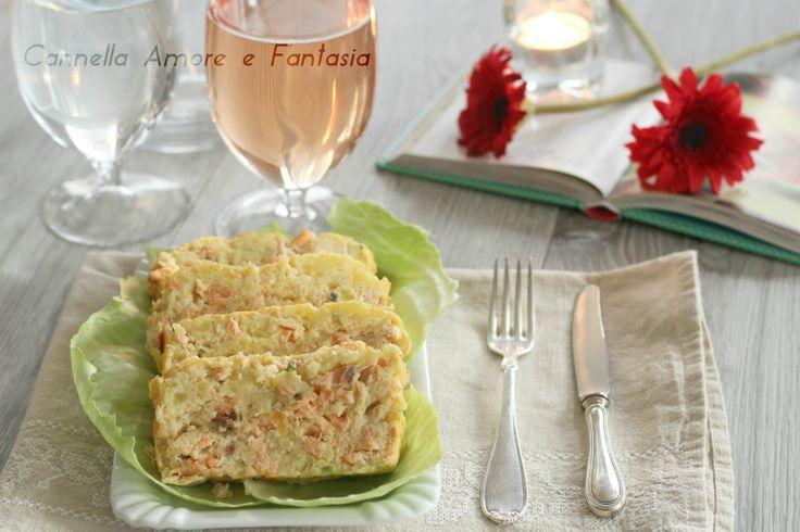 Il polpettone di salmone e patate è un polpettone semplice e delizioso da preparare comodamente in anticipo e raffredda poi in frigorifero. Un piatto fredd