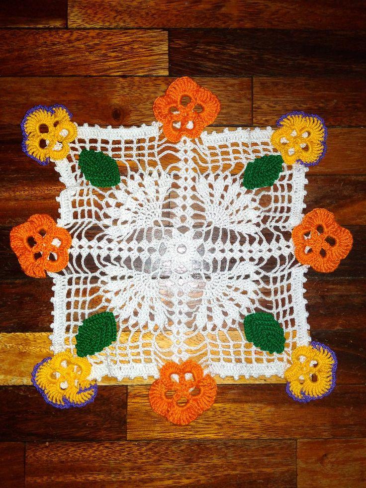Tapete pensamientos en crochet. Diseño Y. Suzuki, patrón n° 10 de la revista ganchillo artístico n°97