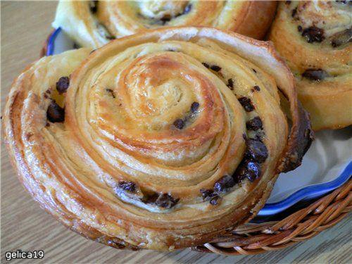 Три бриоша, круассан и хлебец: французская слоеная выпечка