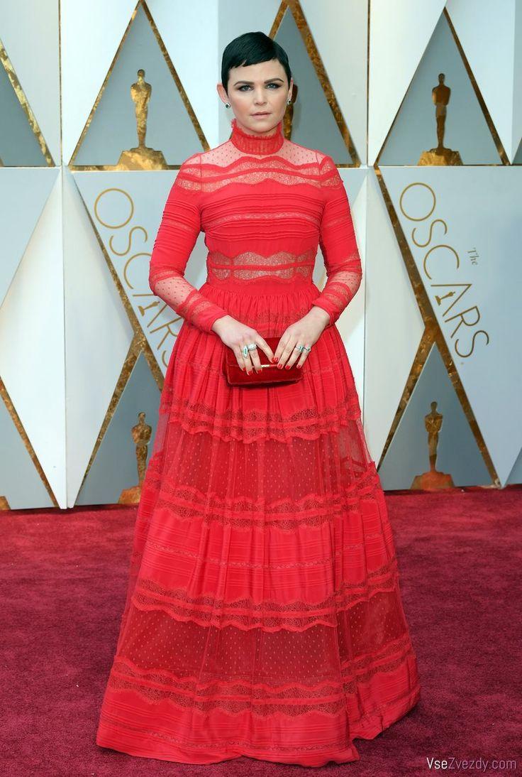 Оскар - 2017. Джиннифер Гудвин в красном платье от модельера Зухаира Мурада.