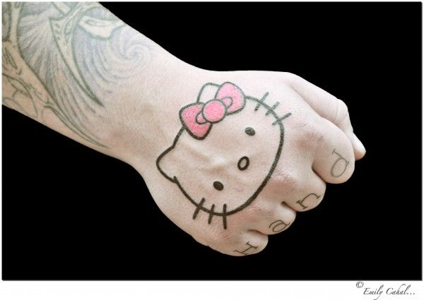 60 tatuagens da Hello KItty para os fãs mais crescidos
